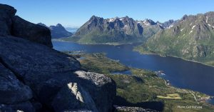 Utsikt fra Vaterfjordtinden ved Austnesfjorden