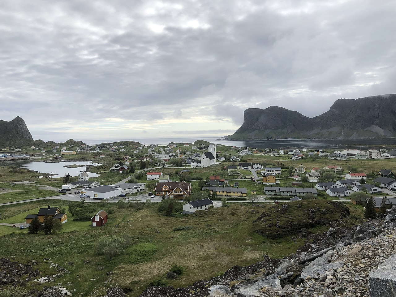 Sørland village in Verøy