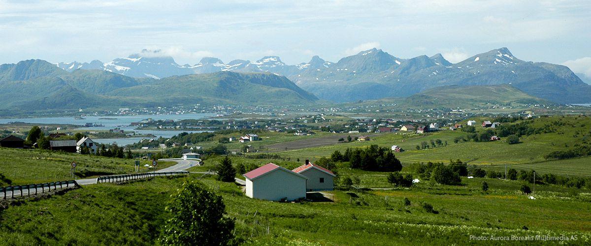Leknes, kommunesenteret på Vestvågøy