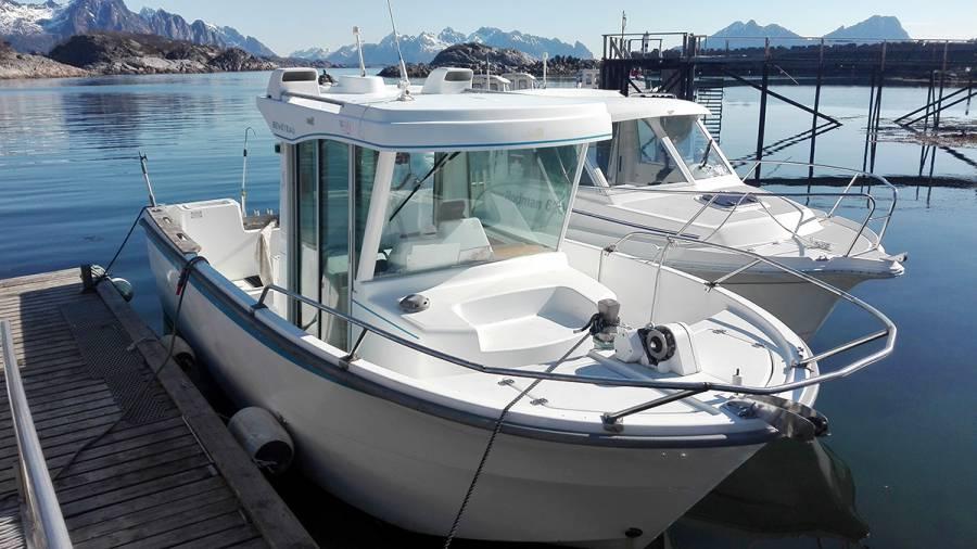 Rent a boat Lofoten
