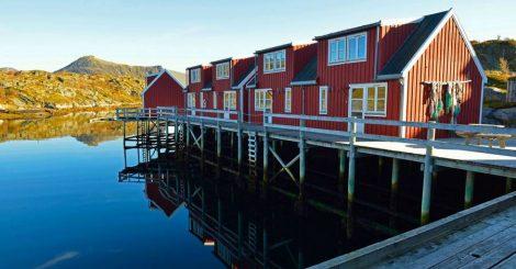 På bryggen til Nyvågar Bryggehotell